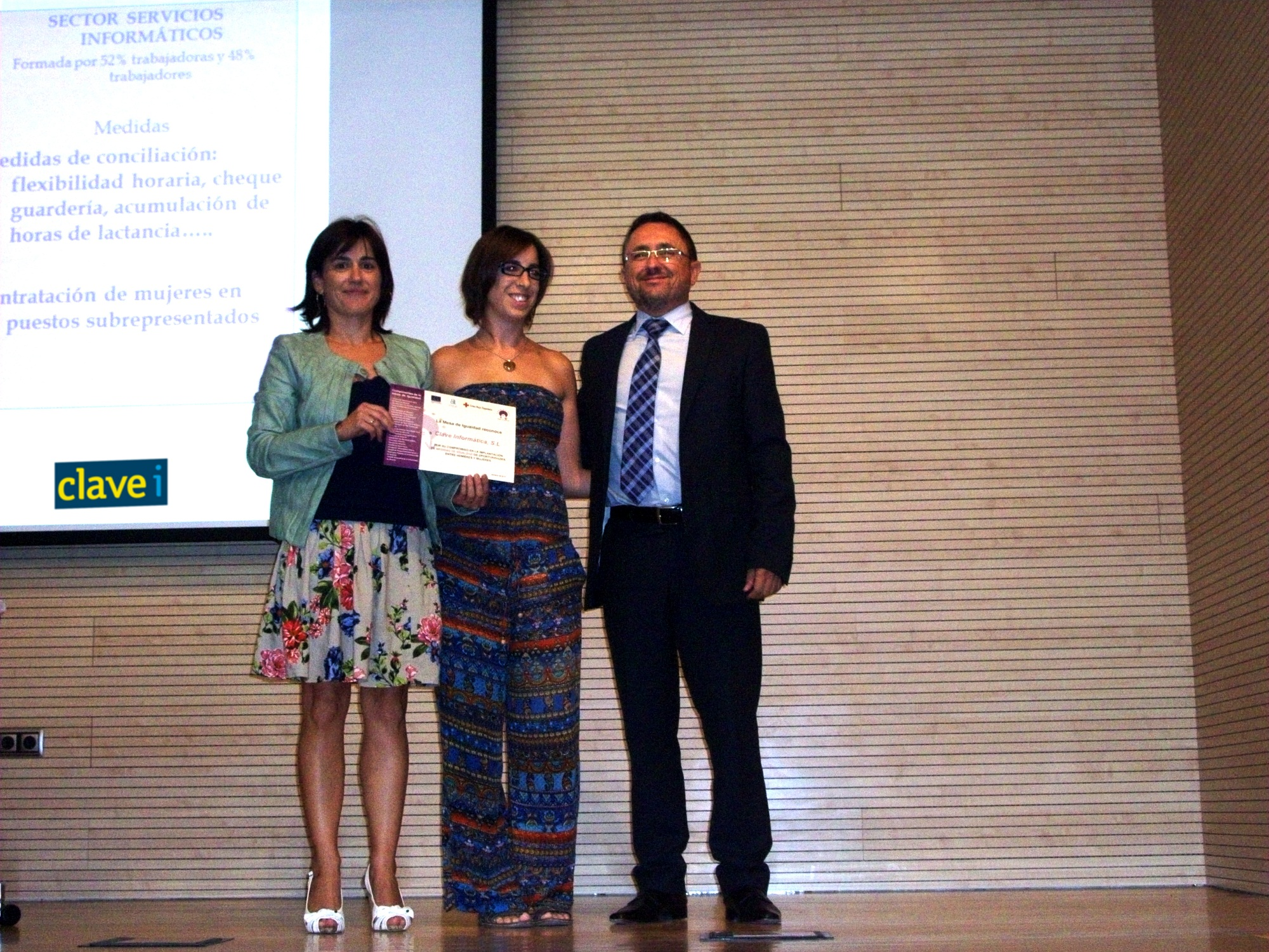 Reconocimiento Cruz Roja a Clavei por aplicación de medidas de igualdad